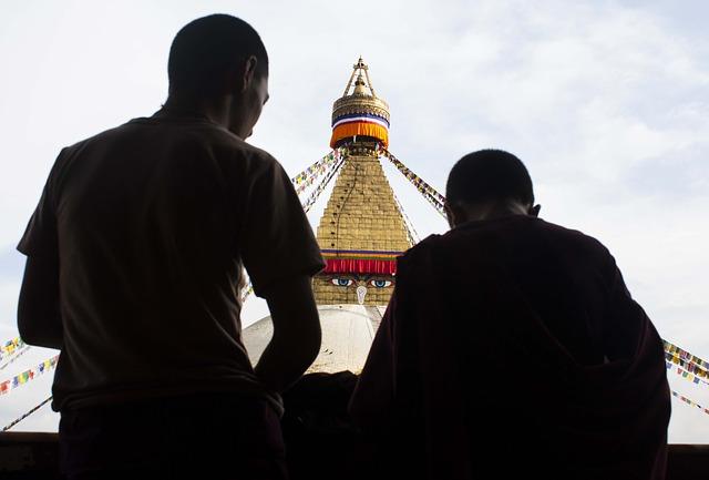 stupa-93570_640